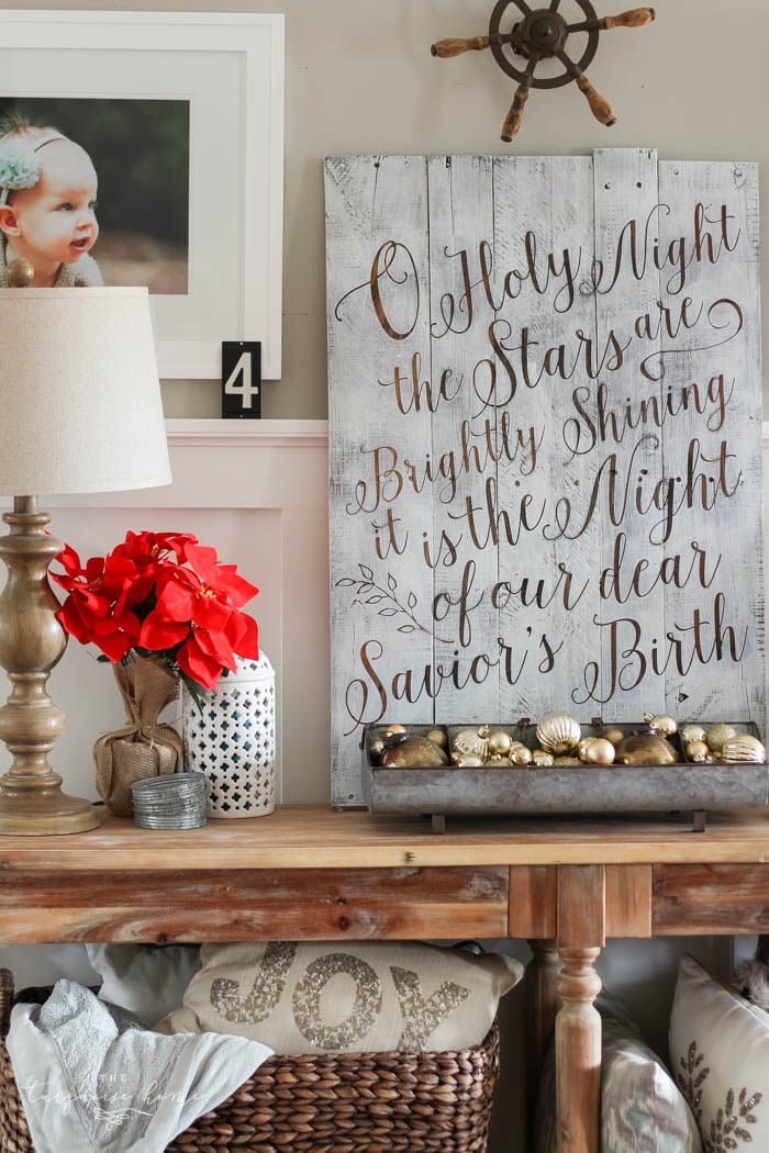 Beautiful Christmas Gallery Wall and Kitchen Decor with DIY Christmas Kitchen Wreaths!