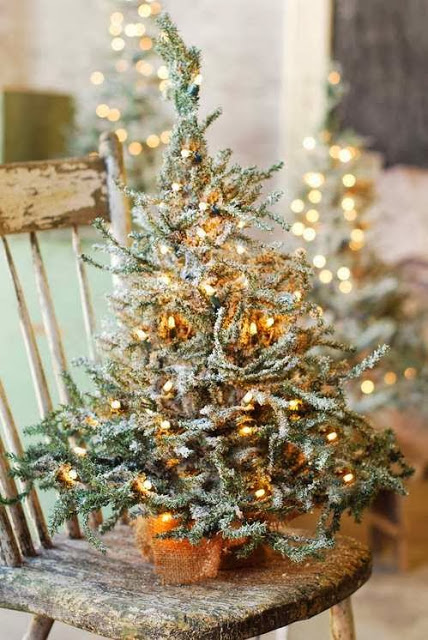 Flocked Tree | How to Use Winter Decorations for Christmas