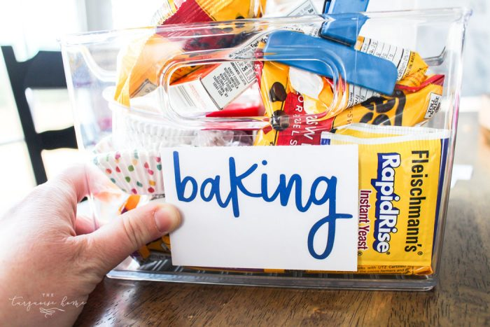 How to Create Your Own Pantry Labels: a DIY Project | Erasable Labels for Food Storage! | 30 Days to Less of a Hot Mess Challenge