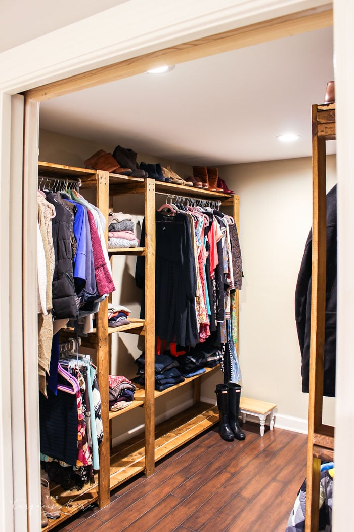 Organized Closet Systems make all the difference when it comes to decluttering and organizing your closet! | 30 Days to Less of a Hot Mess