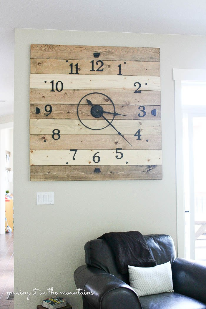 DIY Rustic Wood Plank Clock from Making it in the Mountains