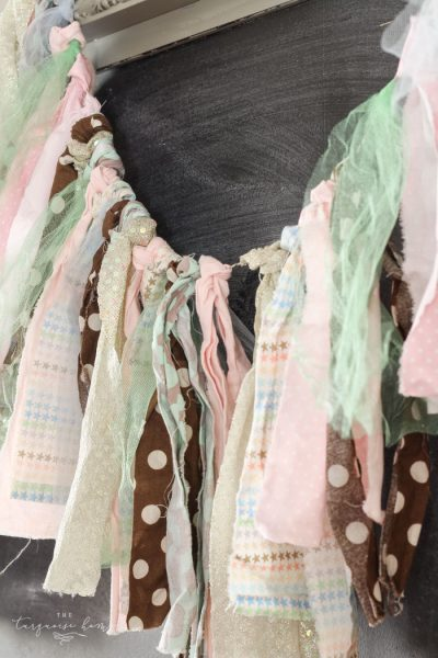 Seriously, I'm so crunched for time, but this rag garland takes no time at all! LOVE projects like this!