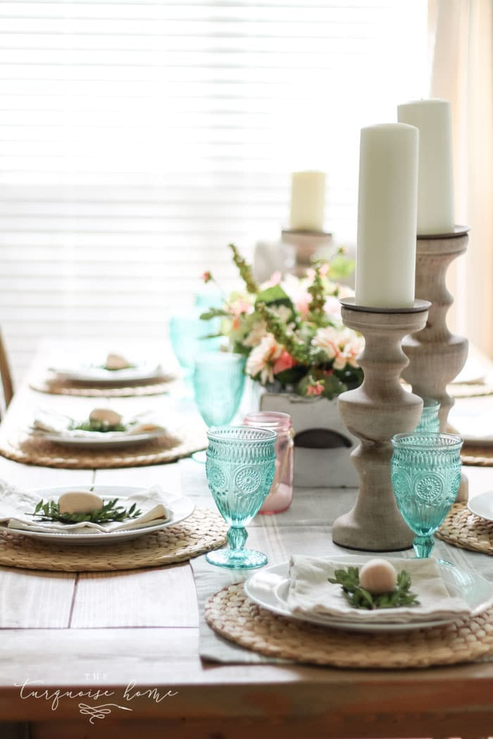 Simply perfect!! A simple Spring tablescape and entry way