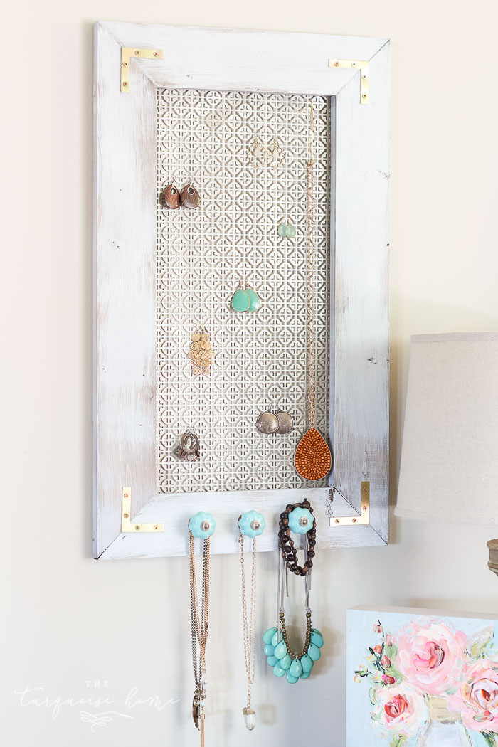 This DIY Jewelry Organizer is so fun to make! Make your own with the #DIYWorkshop at The Home Depot. #sponsored