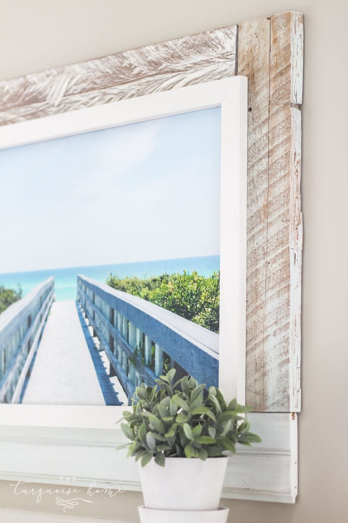 Get this gorgeous beach-inspired DIY framed canvas art with this simple tutorial! READ MORE >>