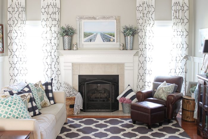 Simply Beachy Summer Mantel at theturquoisehome.com