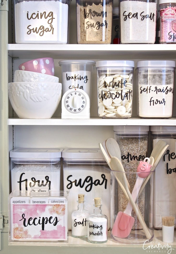 Hand lettered pantry labels from The Creative Exchange