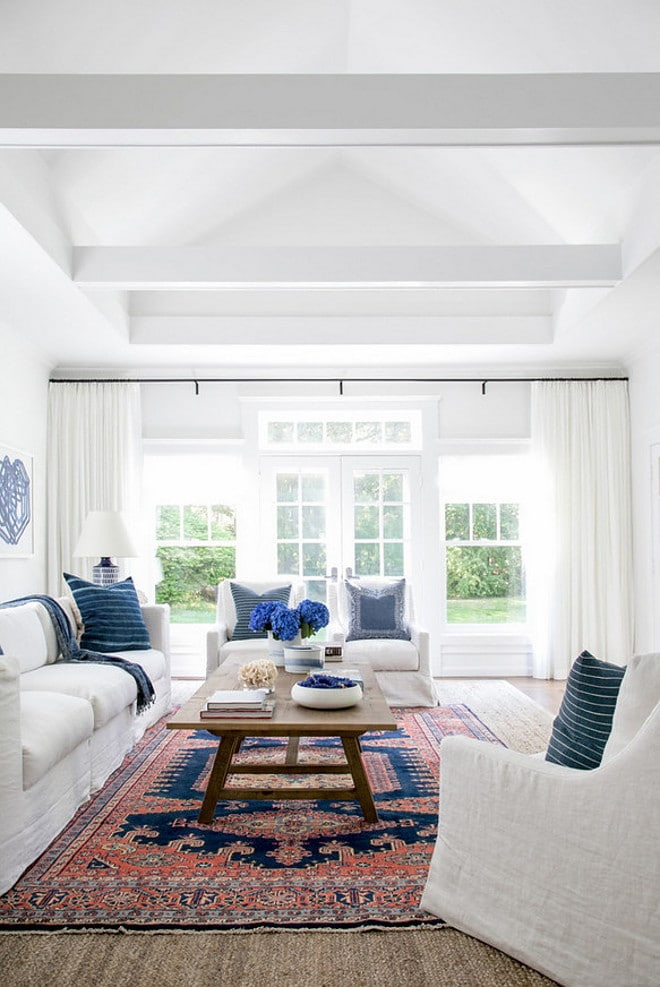 Modern Farmhouse with Benjmamin Moore's Decorator's White | Top Favorite White Paint Colors