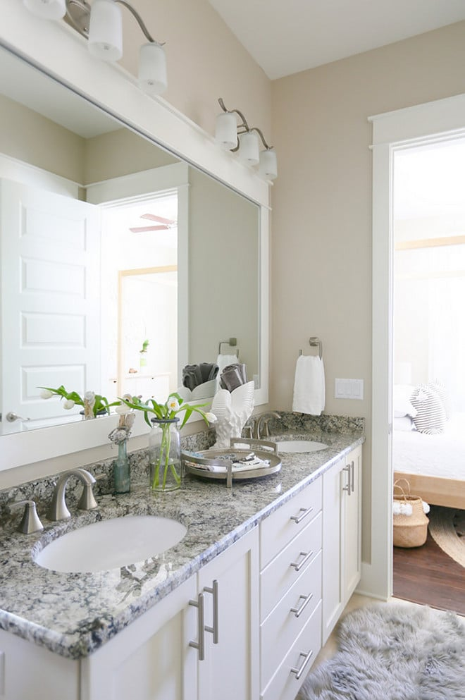 Gorgeous Dover White painted cabinets and Alabaster walls - both colors from Sherwin Williams. LOVE these two colors together! | Top Favorite White Paint Colors