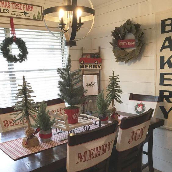 14 Fabulous Farmhouse Christmas Kitchens
