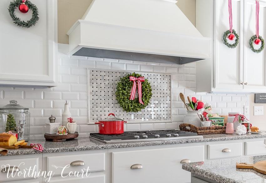 14 Fabulous Farmhouse Christmas Kitchens | The Turquoise Home