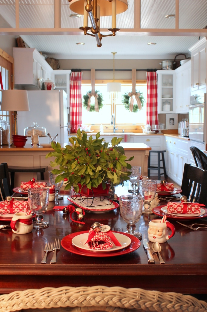 14 Fabulous Farmhouse Christmas Kitchens The Turquoise Home