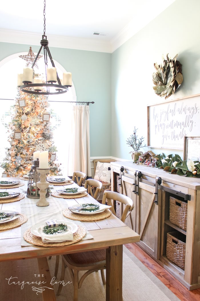 A Neutral Christmas Dining Room