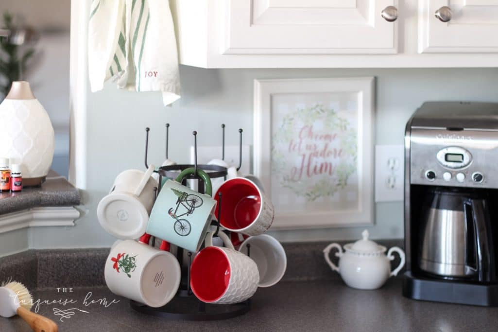 Adorable Farmhouse Christmas Kitchen ... and a real life tale of how this blogger balances motherhood and photo shoots. 🤪