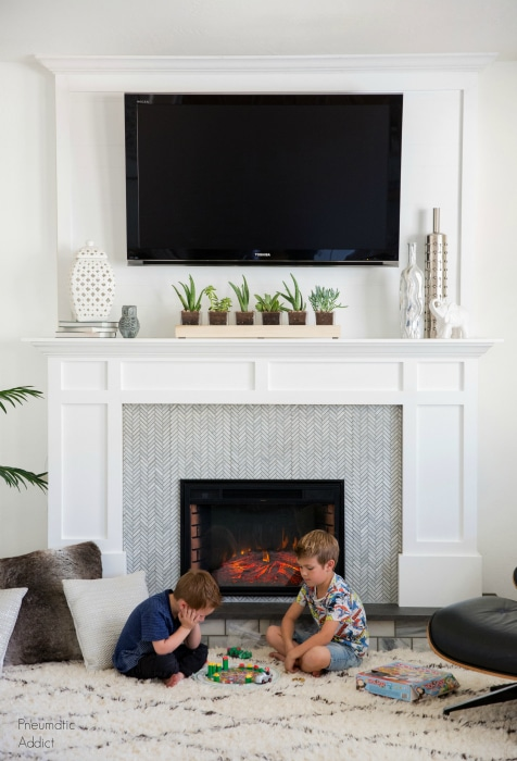 Er Friendly Movable Faux Fireplace With Tv Over The Mantel