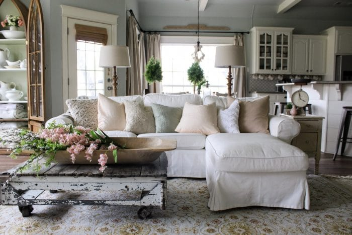 6 Tips for Decorating your Coffee Table