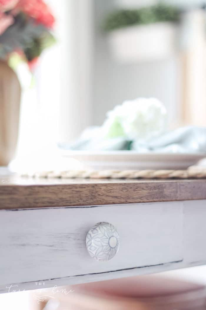 New knobs give a budget-friendly updated look to kitchen makeovers! | Kitchen Before and After | Kitchen Makeover Ideas | DIY Kitchen Makeover | Kitchen Remodel Before and After