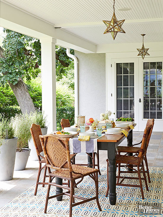 Inspirational Front Porch Decorating Ideas | The Turquoise Home