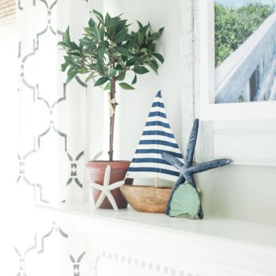 Quick & Simple Coastal Summer Mantel Decor