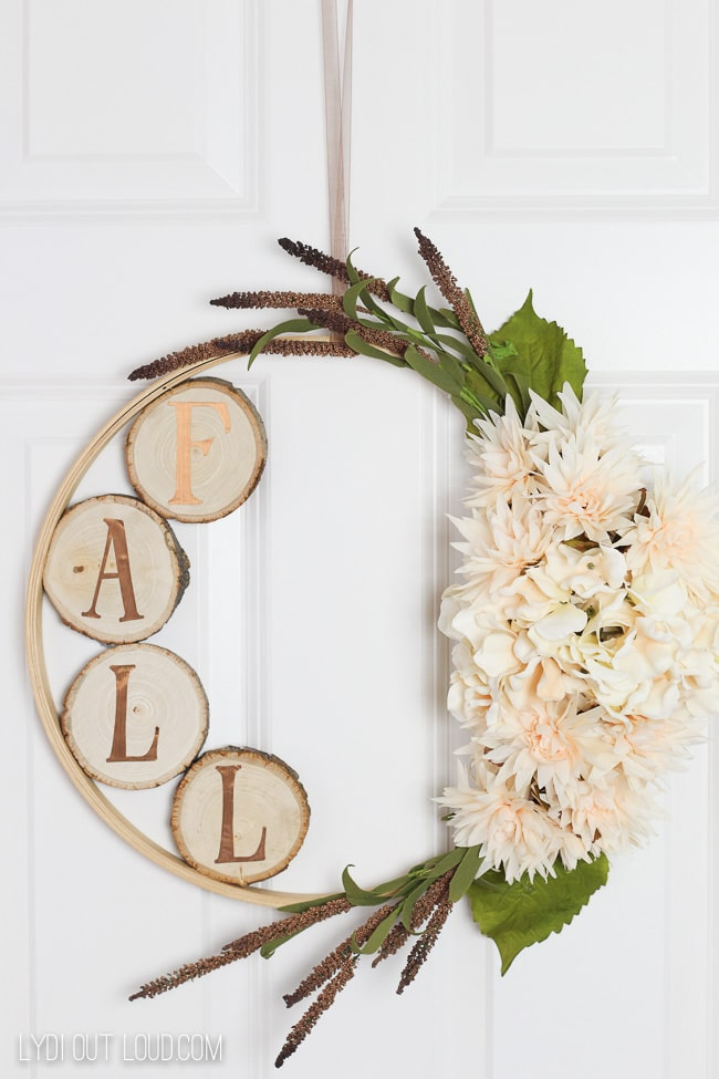 DIY Embroidery Hoop Fall Wreath