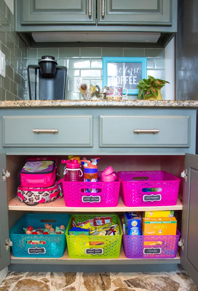 How to Make a School Lunch Box Station