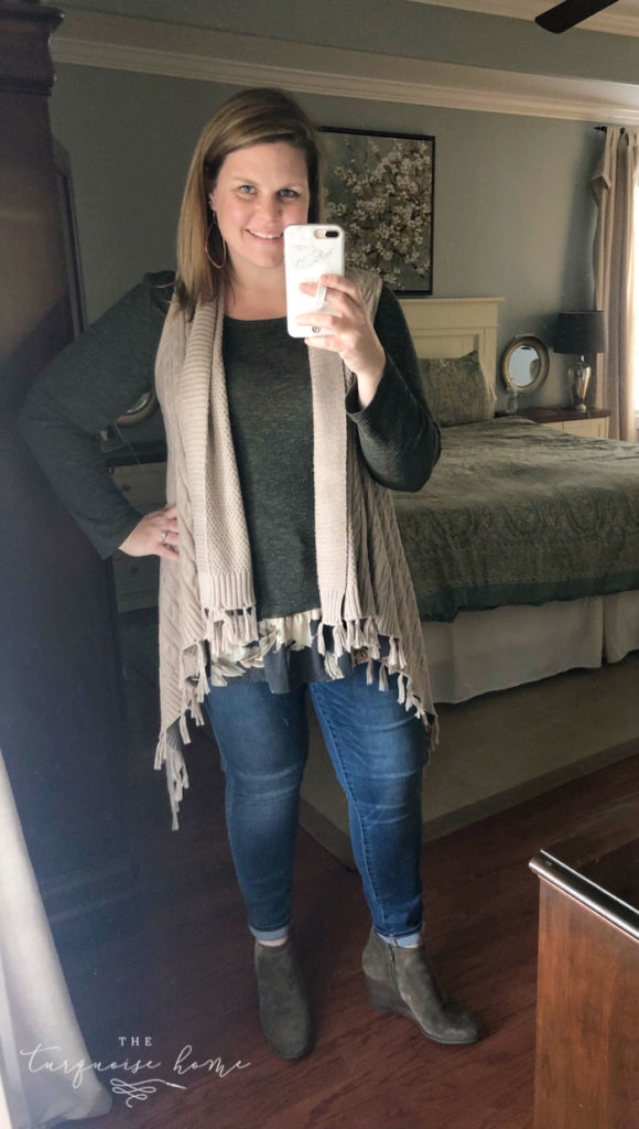 Cozy Fall Outfits for Curvy Ladies - cozy sweater vest, flowy top, skinny jeans, wedge booties