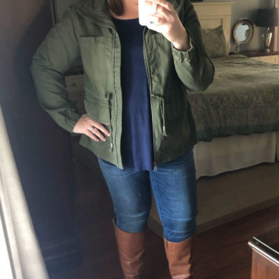 Cozy Fall Outfits for Curvy Ladies - field jacket, skinny jeans, riding boots, flowy tank top