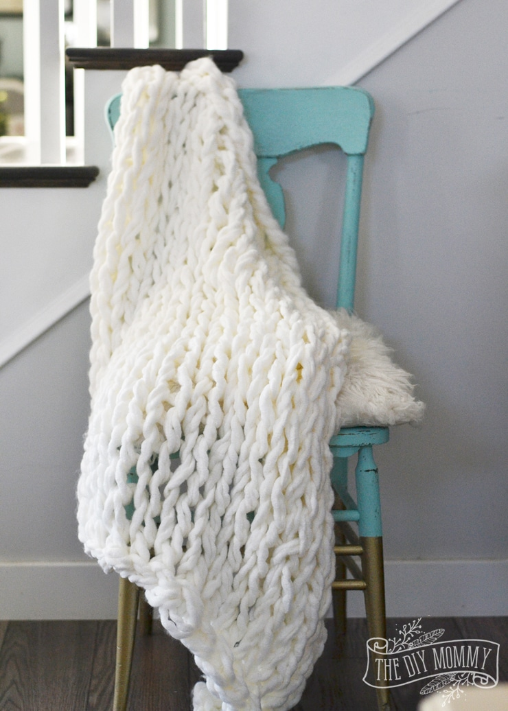 DIY Christmas Gifts: Chunky Knit Blanket