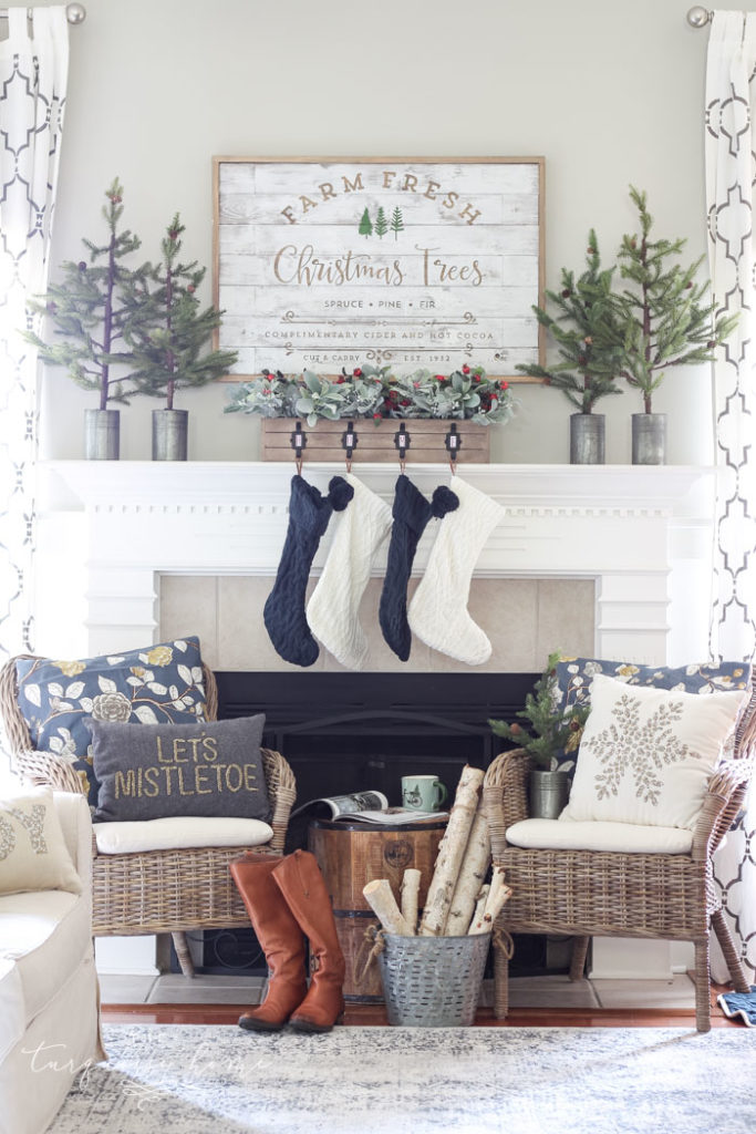 Green and Navy Christmas Mantel 2018