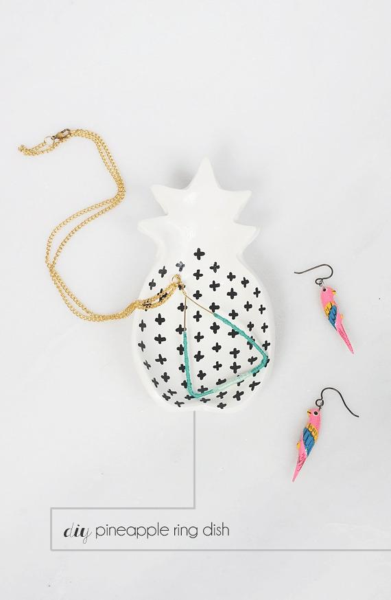 DIY Christmas Gifts: Pineapple Trinket Dish | 25 DIY Christmas Gift Ideas