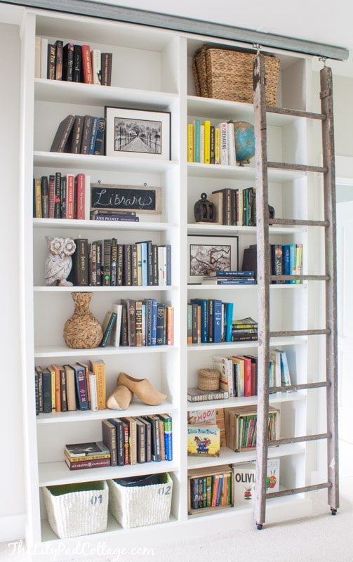 How to Decorate a Bookshelf -->> Billy Bookcase Hack with Ladder
