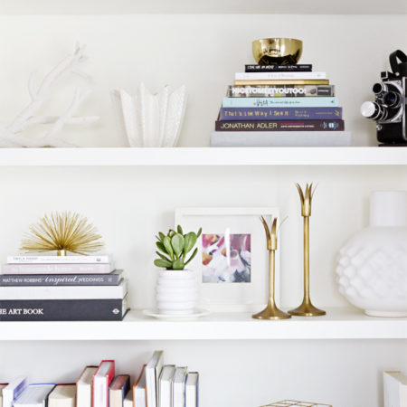 How to decorate a bookshelf -->> with books and knick knacks!