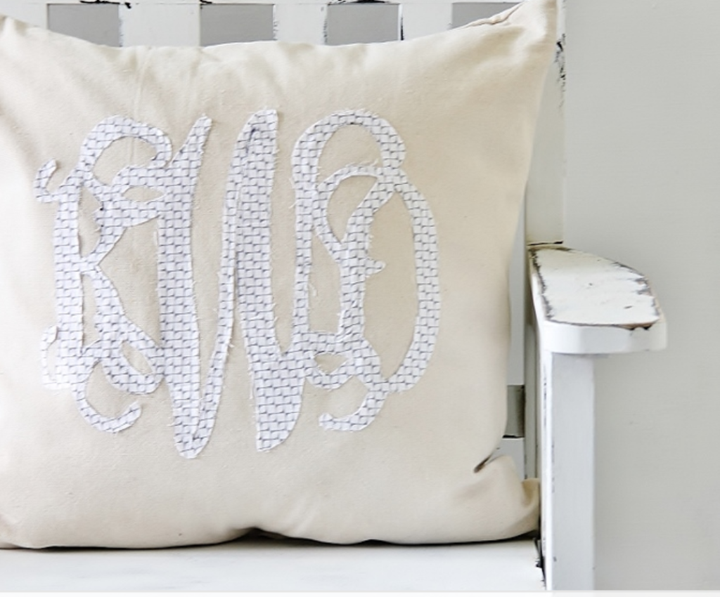 DIY monogrammed pillow | fabric cut out monogram