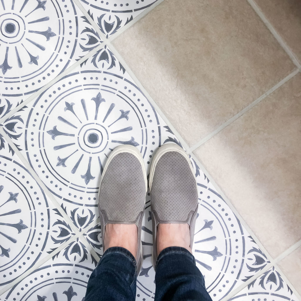 These kids slip-on sneakers are so comfy and cute! Perfect with skinny jeans and a cute top!