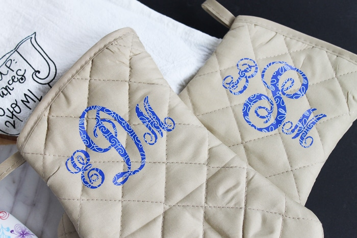 DIY Monogramed oven mitts