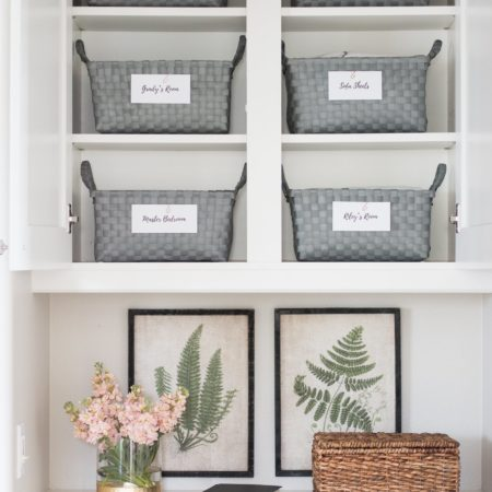 How to Organize a Linen Closet from the top organizational bloggers on the web! #linencloset #bathroomstorage #bathroomorganization #closetorganization