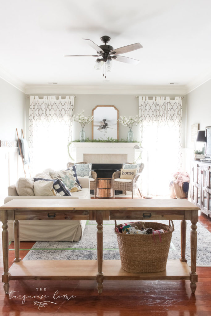 How to Choose a New Sofa and How to Put a Console Table Behind the Sofa