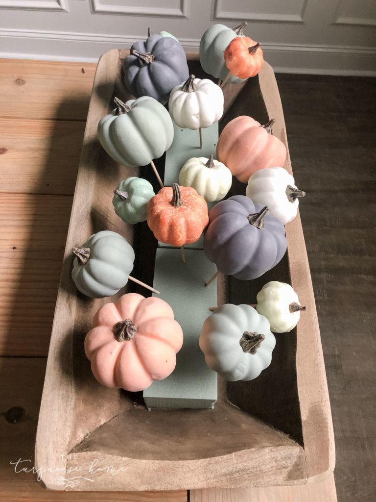 DIY Pumpkin & Dough Bowl Floral Fall Centerpiece - full tutorial | Then add the smallest pumpkins to the floral foam #falldecor #falldiy #diyhomedecor