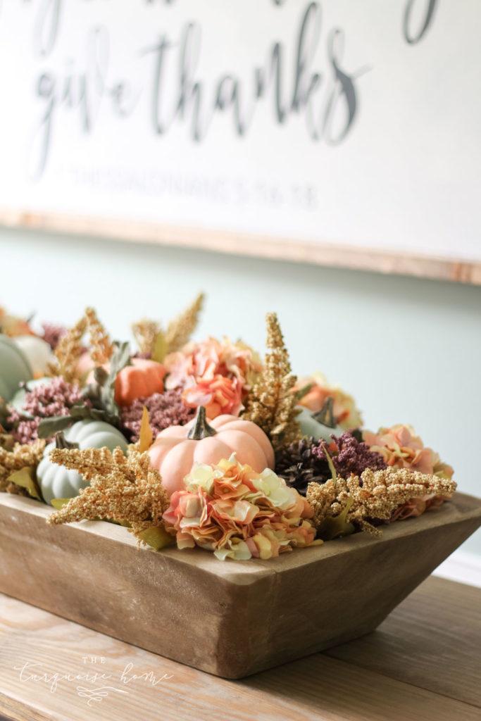 DIY Pumpkin & Dough Bowl Floral Fall Centerpiece - full tutorial #falldecor #falldiy #diyhomedecor