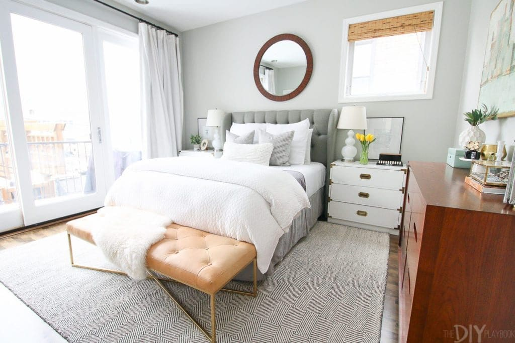 Benjamin Moore Gray Owl paint color in a bedroom