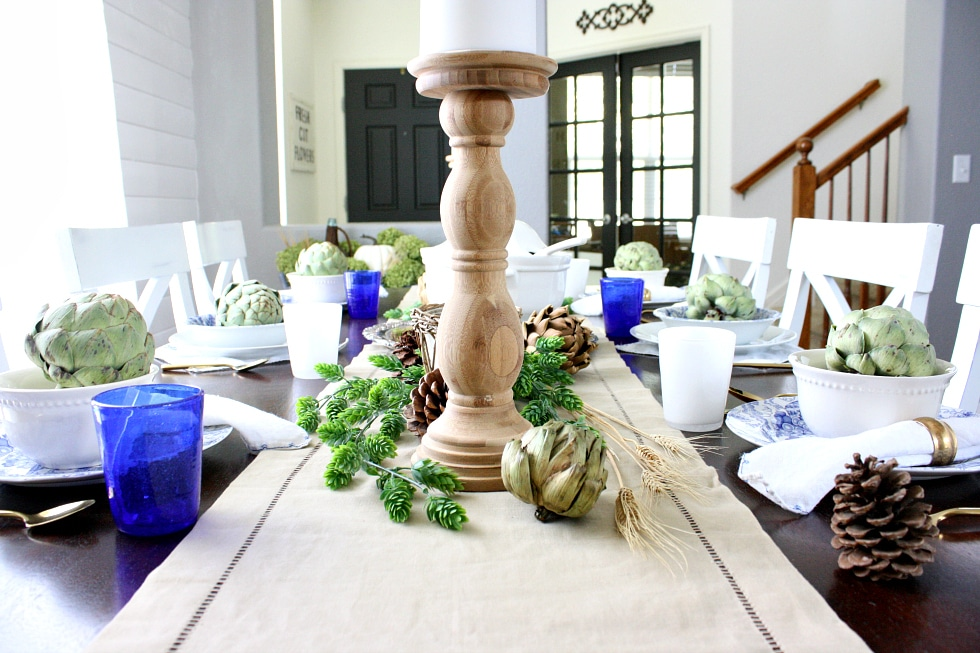 Natural, neutral and classy fall tablescape