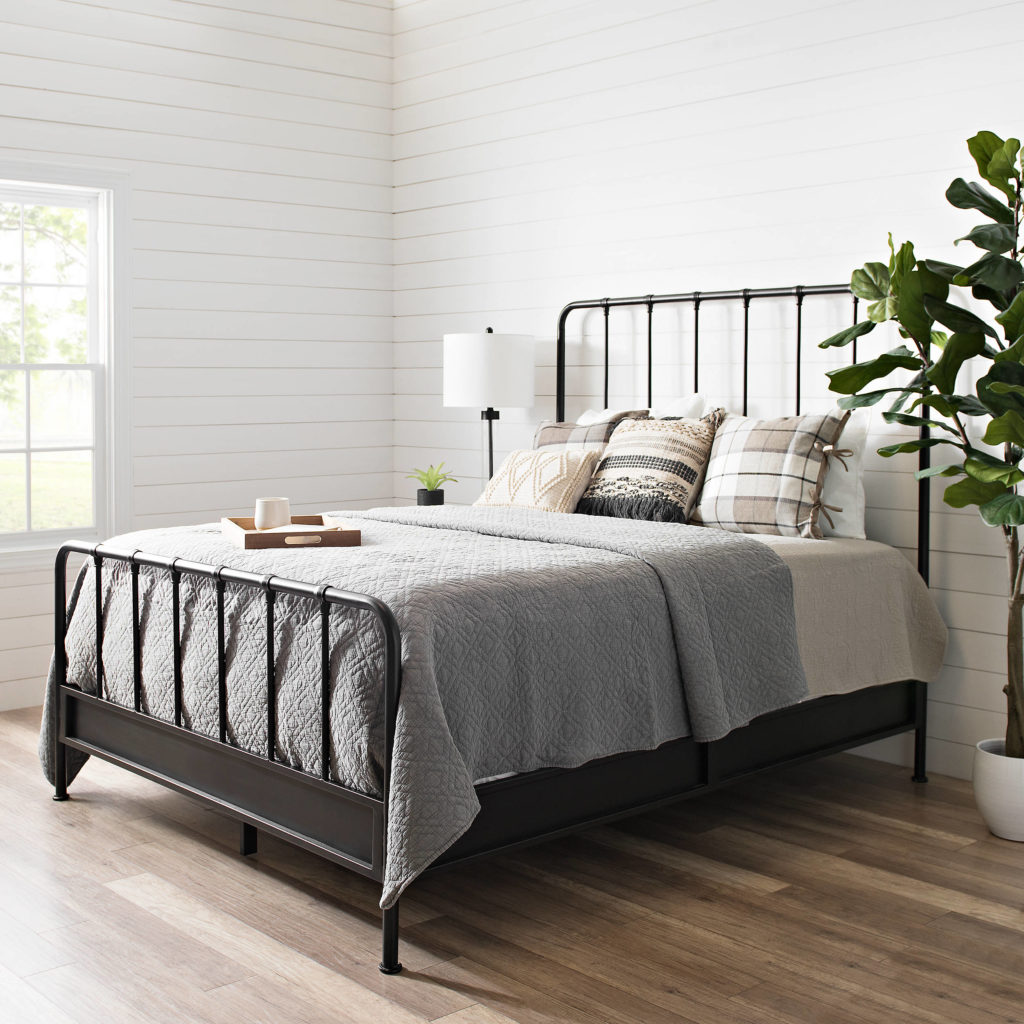 Gorgeous Farmhouse Bedding to Add to Your Room   The ...