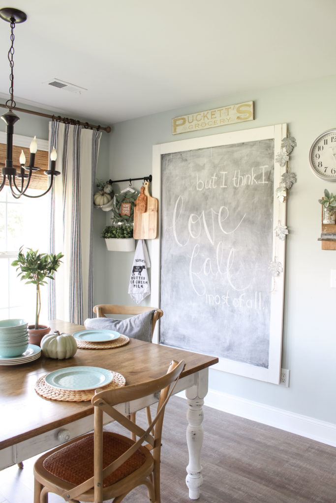 DIY Chalkboard from my fall kitchen home tour | fall home decor | DIY Home Decor Ideas