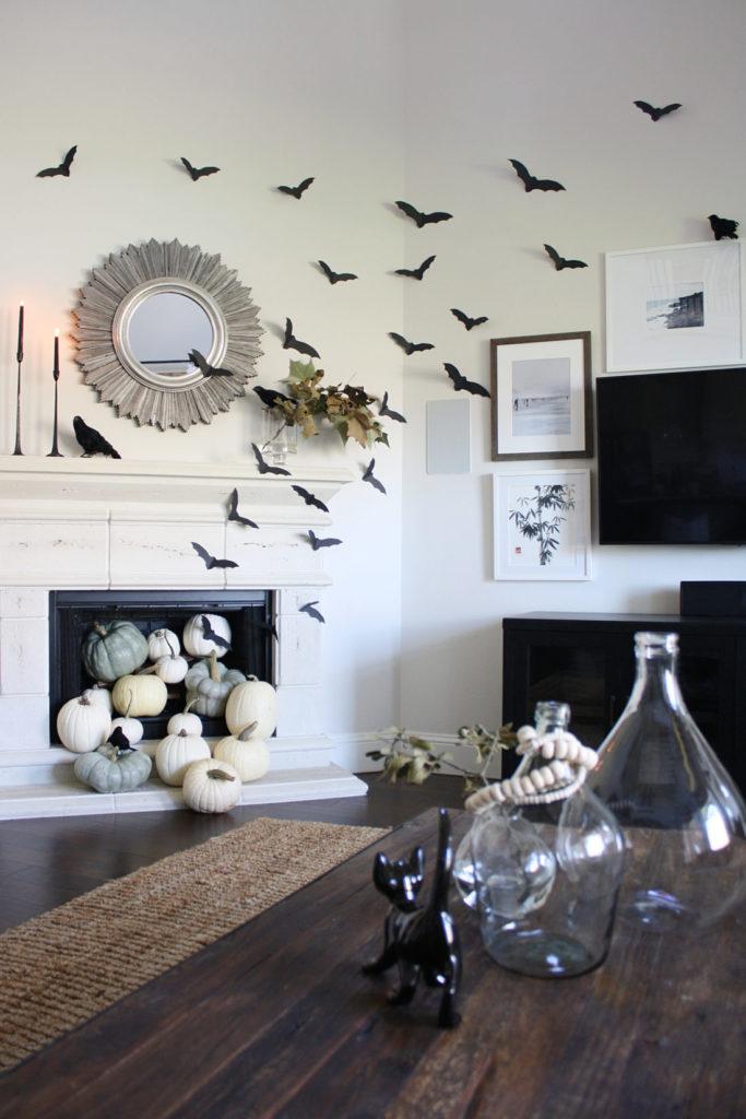 Paper bats make beautiful decor for Halloween!