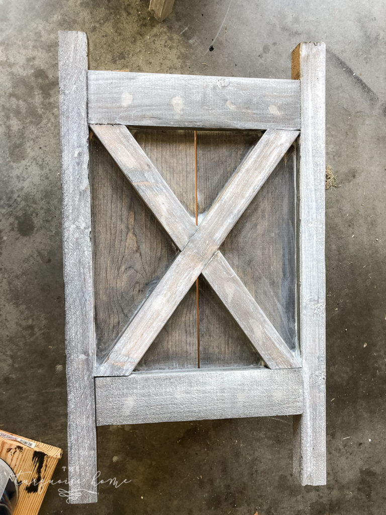 Super easy gray washed wood technique!