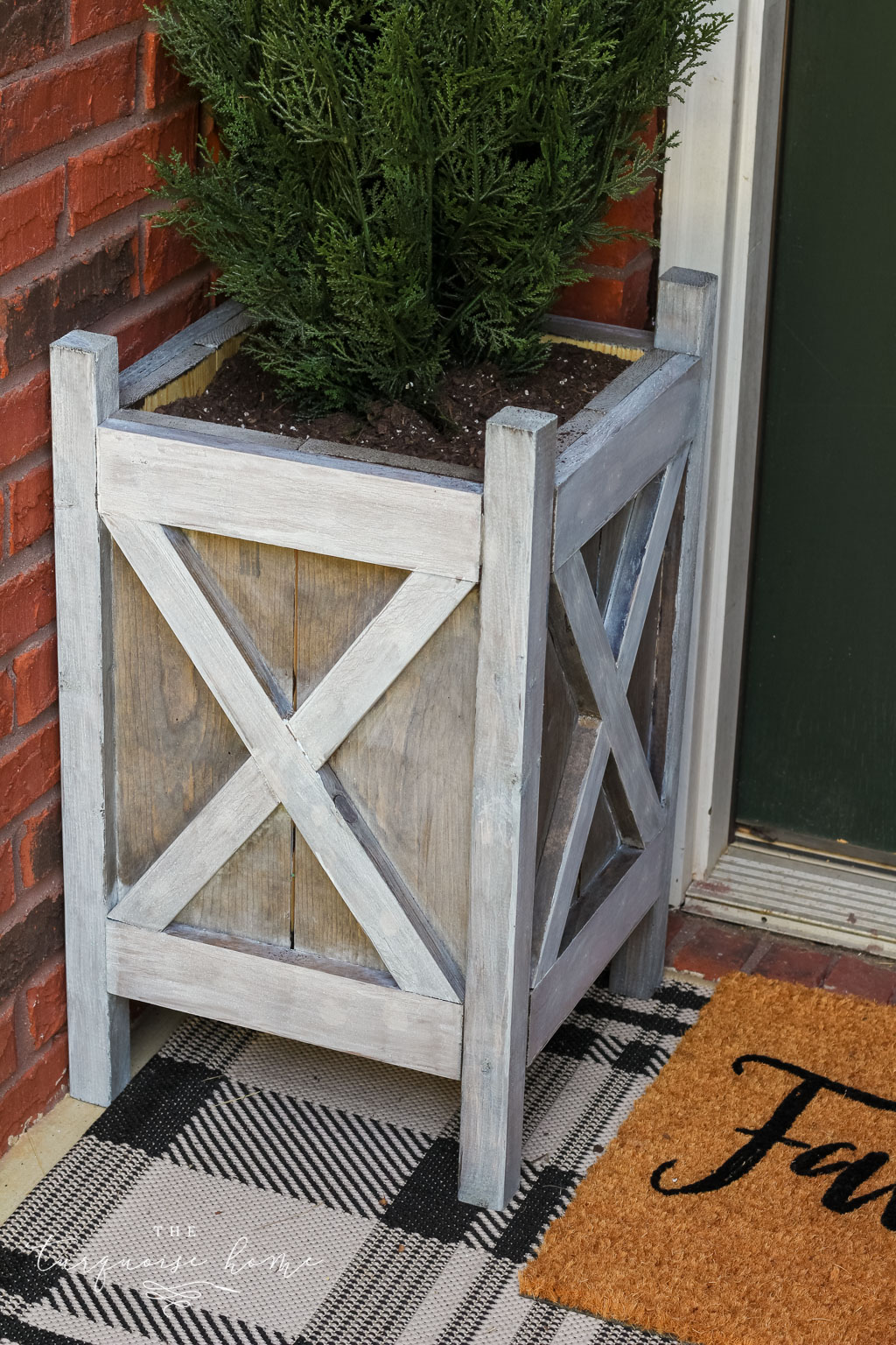 Gray washed wood technique on DIY wooden planters for the front door!
