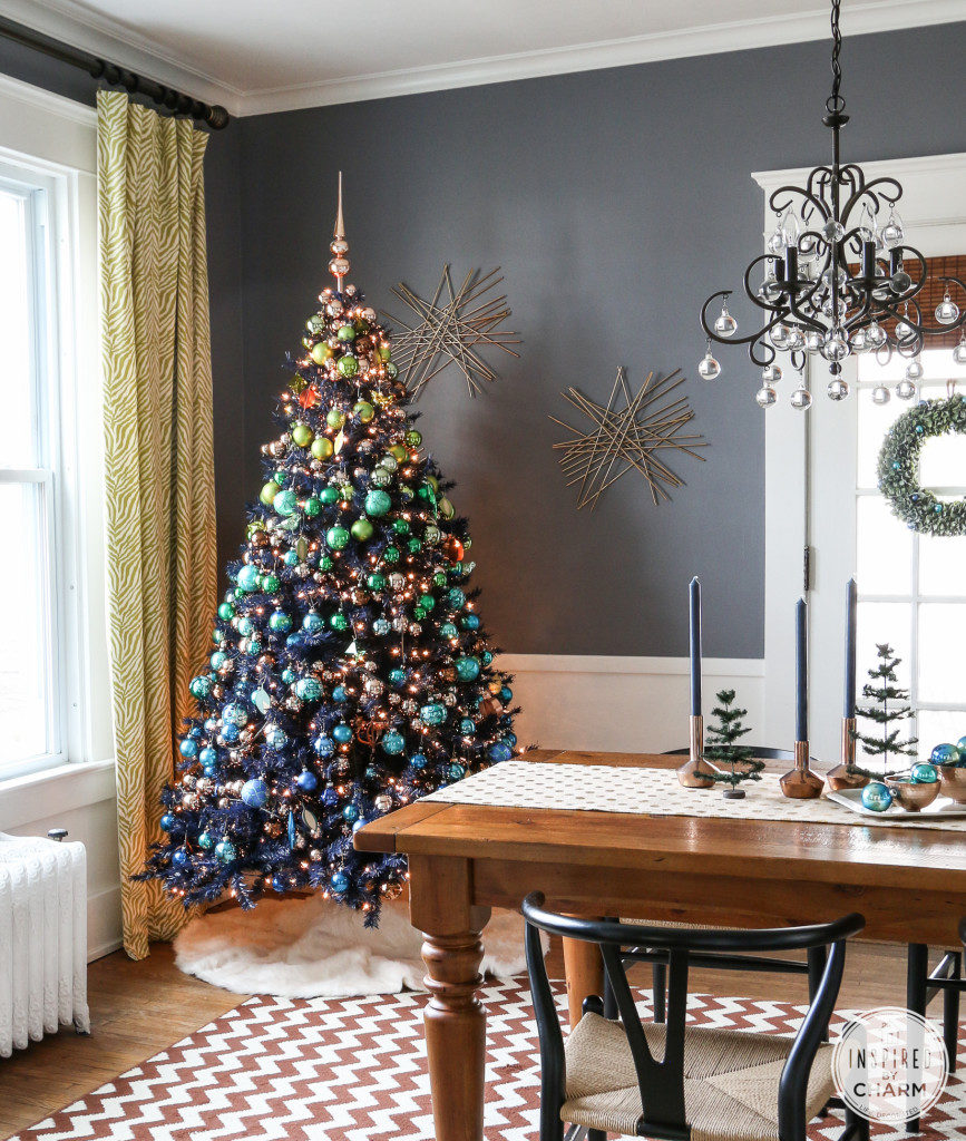 Jewel tone Christmas decor is gorgeous when you're going the non-traditional route!