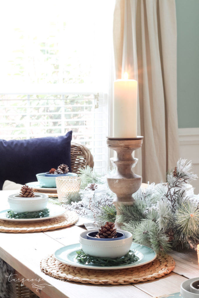 Winter blue dining room decor