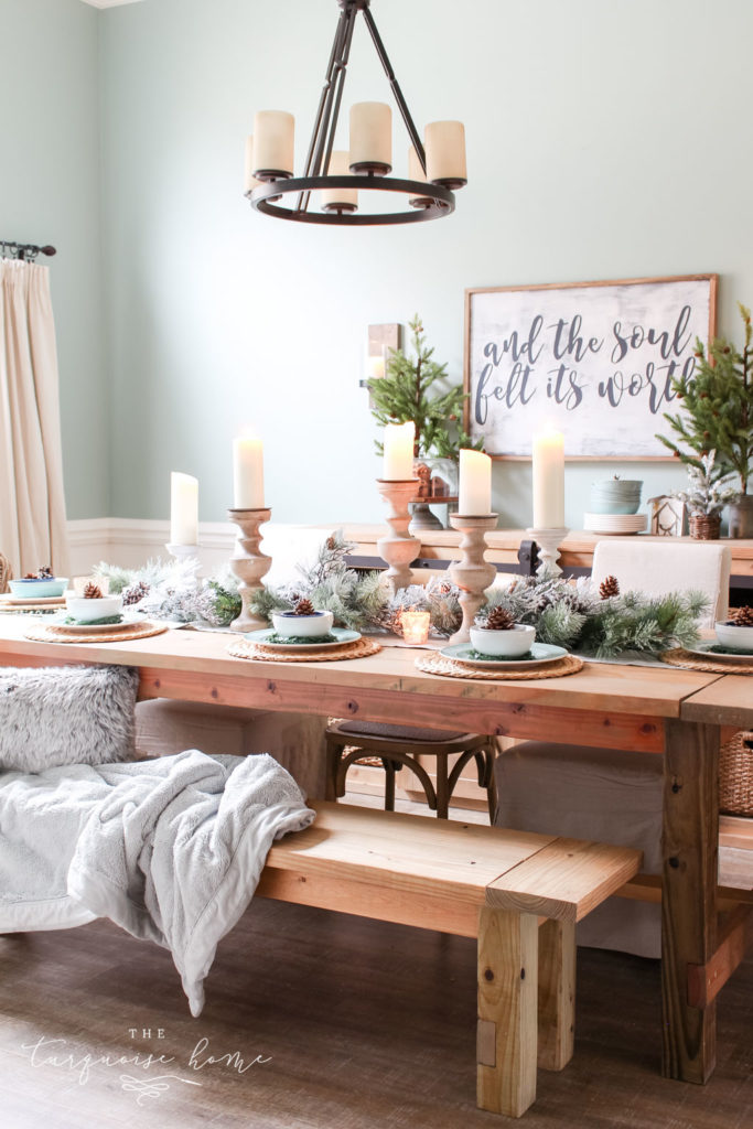 Beautiful winter tablescape | Christmas Dining Room Decor
