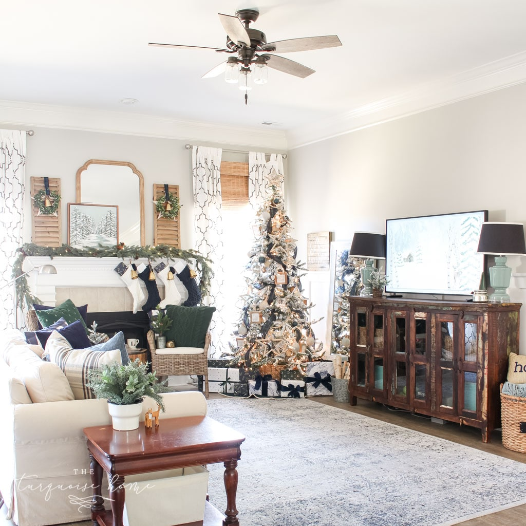 Classic, simple Christmas living room